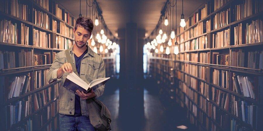 Microgrado uned en aproximaión a los estudios ingleses